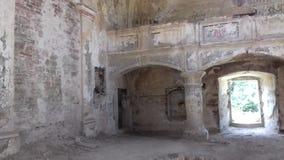 被破坏的教会老 库存照片