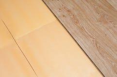 被碾压的木条地板 免版税库存图片