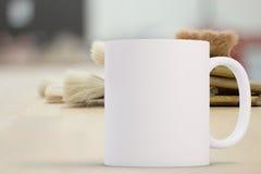 被称呼的储蓄杯子大模型图象 图库摄影