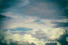被称呼的多云天空葡萄酒 免版税图库摄影