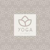 被简化的莲花瑜伽演播室设计卡片 免版税库存照片