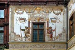 被绘的墙壁 一部分的锡纳亚,罗马尼亚建筑学  免版税库存照片