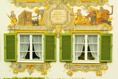 被绘的巴伐利亚房子 库存照片