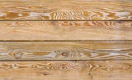 被绘的木板条背景 老被风化的木纹理 在顶楼内部的工业和难看的东西墙壁 库存照片