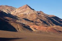 被绘的沙漠优美的山 库存照片