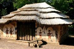被绘的非洲房子 免版税库存图片