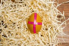 被绘的鸡在传统基督徒假日Easte怂恿 库存照片