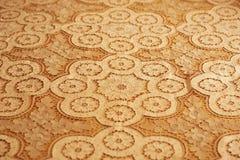 被绣的床罩纹理  免版税库存照片
