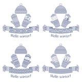 被编织的冬天围巾和手套和盖帽 免版税库存图片