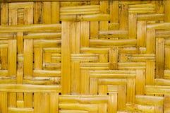 被编织的竹藤条纹理 库存照片