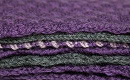 被编织的织品堆 库存照片