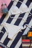 被编织的白色泳装 库存照片
