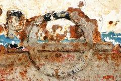 被腐蚀的金属老油漆表面 免版税库存照片