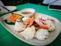 被蒸的螃蟹用泰国辣调味汁 免版税库存图片