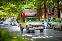 被装载的伊朗汽车 库存照片