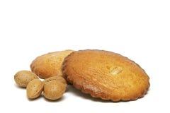 被装载的杏仁蛋糕 库存图片