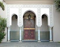 被装饰的门,哈桑二世清真寺,卡萨布兰卡 库存照片