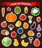 被设置的五颜六色的平的水果和蔬菜贴纸 库存图片