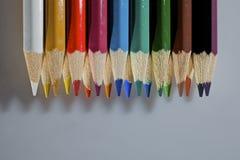 被设置的五颜六色的铅笔 库存照片