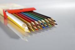 被设置的五颜六色的铅笔 库存图片