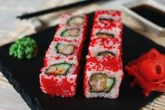 被设置的寿司卷,特写镜头 日本健康海鲜 免版税库存图片