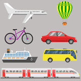 被设置的旅行运输:飞机,浮空器,自行车,汽车,船,公共汽车, 免版税库存照片