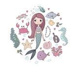 被设置的海洋例证 一点逗人喜爱的动画片美人鱼,滑稽的鱼,海星,有笔记的瓶,海藻,各种各样的壳 图库摄影