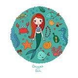 被设置的海洋例证 一点逗人喜爱的动画片美人鱼,滑稽的鱼,海星,有笔记的瓶,海藻,各种各样的壳 免版税库存照片