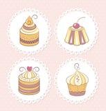 被设置的甜杯形蛋糕 库存照片