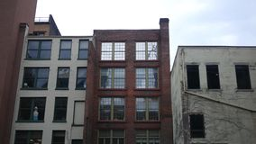 被谴责的被阻止的大厦如被看见从胡同 影视素材