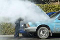 被过度加热的汽车 图库摄影