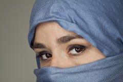 被遮掩的妇女 库存图片