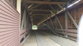被遮盖的桥 免版税图库摄影