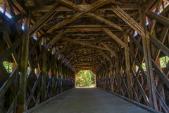 被遮盖的桥 图库摄影