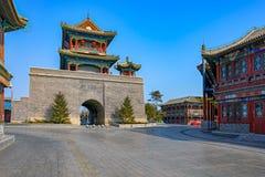 被重建的响铃和鼓塔在Shanhaiguan镇  免版税图库摄影