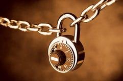 被锁定的链锁定 库存照片