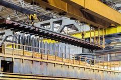 被镀锌的钢金属制品的生产过程 免版税库存图片