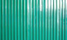 被镀锌的绿色墙壁背景 库存照片