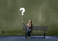 被问的概念常见问题解答常见的查出的问题对白色表示怀疑 免版税库存照片