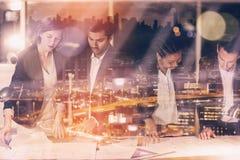被阐明的都市风景大角度看法的综合图象  免版税库存照片