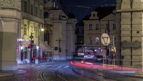 被阐明的malostranske namesti正方形timelapse hyperlapse的夜视图在布拉格 影视素材