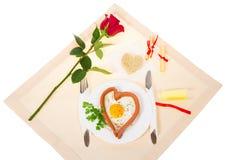 被限制的日重点例证s二华伦泰向量 浪漫晚餐 库存照片