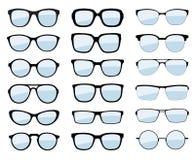 被隔绝的一套玻璃 传染媒介玻璃式样象 太阳镜,玻璃,隔绝在白色背景 各种各样的形状-股票v 免版税库存图片