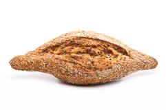 被隔绝的整个五谷面包大面包  免版税库存图片