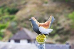 被隔绝的色的鸟装饰 库存照片