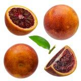 被隔绝的西西里人的橙色果子 裁减路线 在白色背景和裁减隔绝的整个橙色 免版税库存图片