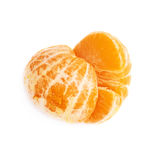 被隔绝的两个一半新鲜的水多的蜜桔果子 免版税图库摄影