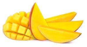 被隔绝的五个芒果切片 库存图片