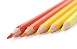被隔绝的五支颜色铅笔线  库存图片
