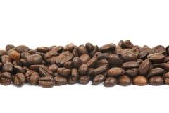 被隔绝的多咖啡豆线  免版税库存图片